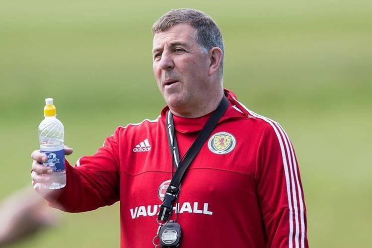 El técnico Mark McGhee apoya la propuesta de que el Mundial se realice con 48 selecciones. (Foto Prensa Libre: Hemeroteca PL)