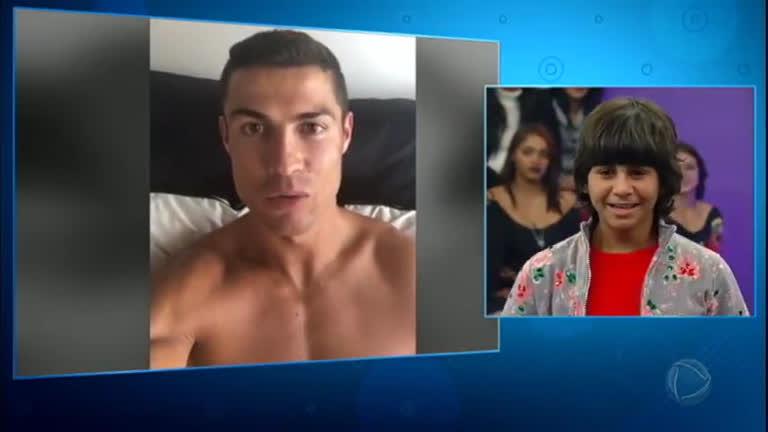 Cristiano Ronaldo demostró una vez más su buen corazón y envió un mensaje especial a Rodriguinho.(Foto Prensa Libre: Captura de Pantalla Hora Do Faro)