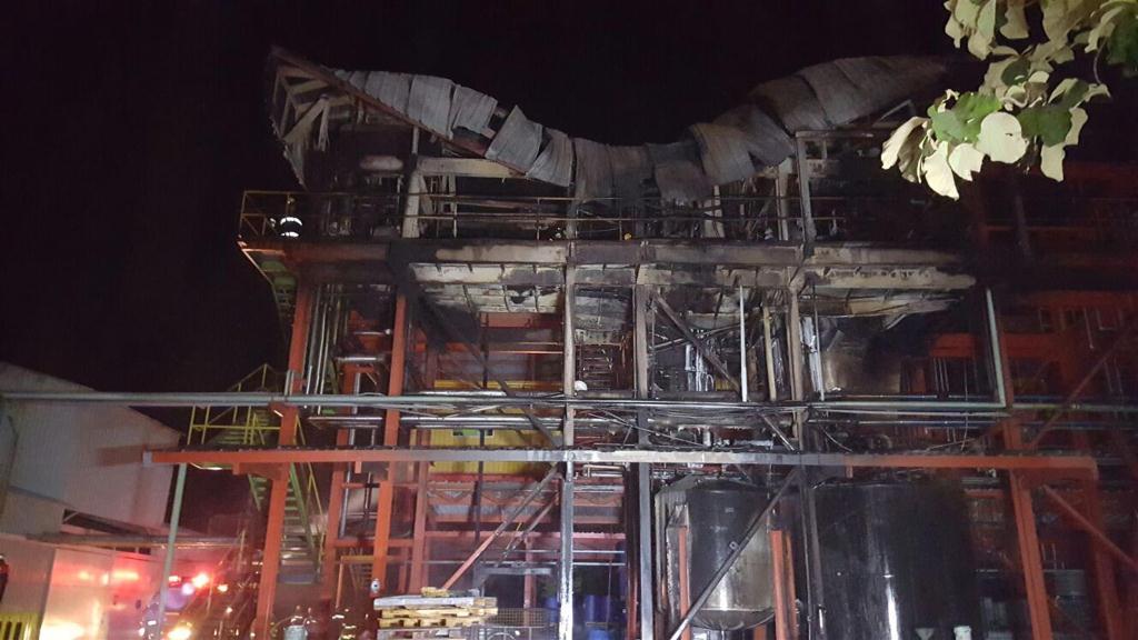 Local quedó destruido a causa del incendio en Escuintla. (Foto Prensa Libre: Enrique Paredes).