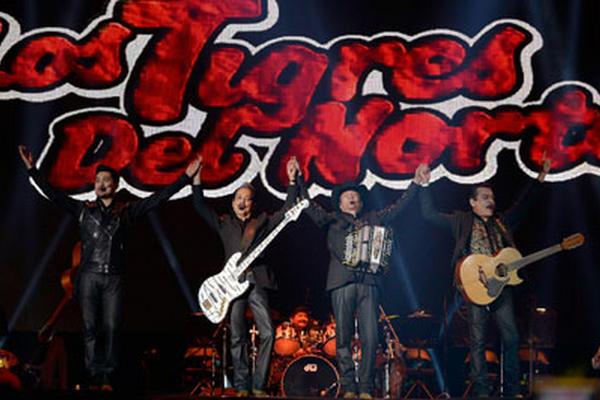"""<p>Los Tigres del Norte impusieron su estilo en la 15 edición del Festival Vive Latino. (Foto Prensa Libre: AFP)<br _mce_bogus=""""1""""></p>"""