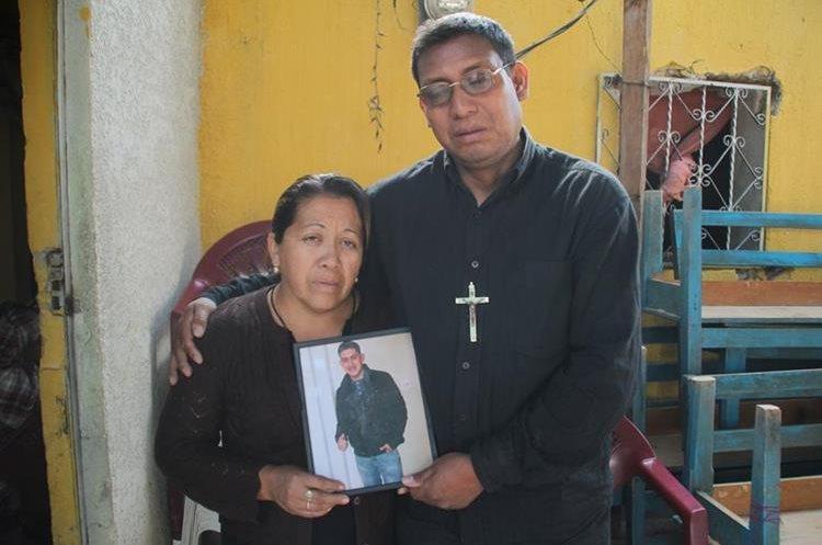 Los padres del joven piden justicia a las autoridades estadounidenses.(Prensa Libre:Mike Castillo)