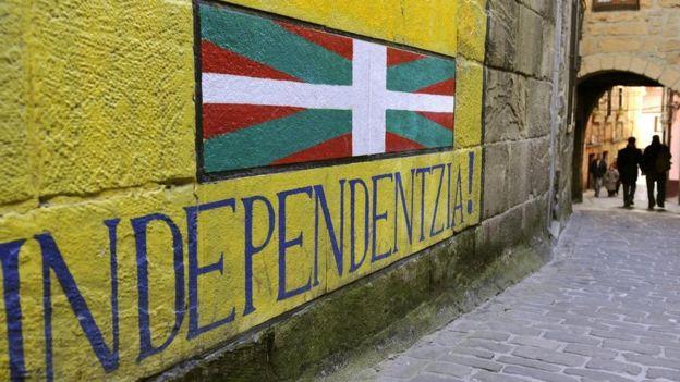 """""""Hay la percepción de que el euskera le pertenece a los nacionalistas. Yo creo que los idioma son universales"""", dice Karmele Errekatxo. GETTY IMAGES"""