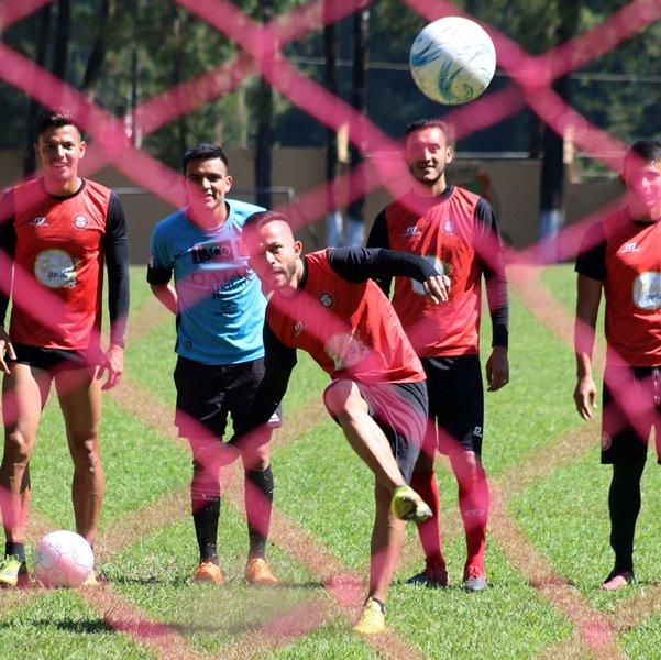 José Alpuche es el mejor jugador de Carchá y lo ha llevado a conseguir buenos resultados. (Foto Prensa Libre: Eduardo Sam Chun)
