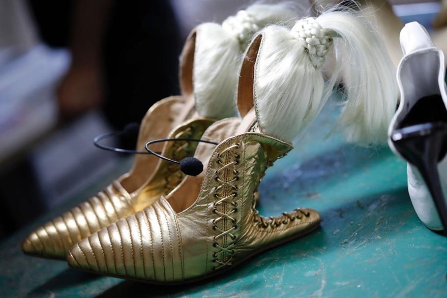 """Las zapatillas """"Blonde Ambition"""", diseñadas por Kobi Levi. (Foto Prensa Libre: AFP)."""