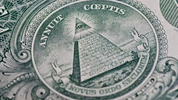 Algunos creen que en el billete del dólar estadounidense hay signos de la influencia de los illuminati. ALAMY