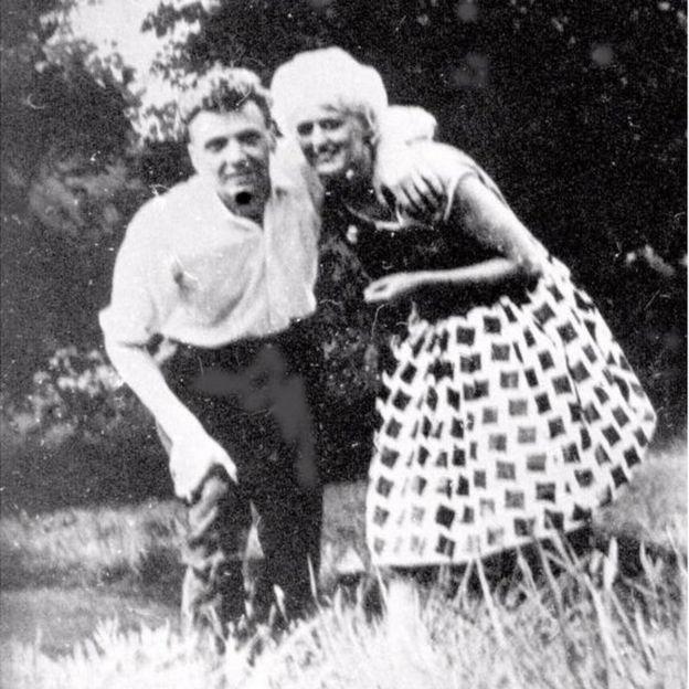 """Brady conoció a Myra Hindley mientras trabajaban en la misma empresa, conocidos como """"Los asesinos del páramo"""". GMP"""