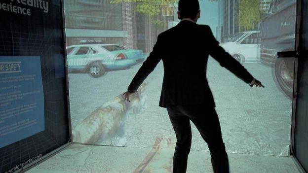 Tan solo necesitas unas gafas especiales para sumergirte en la realidad virtual de este juego.