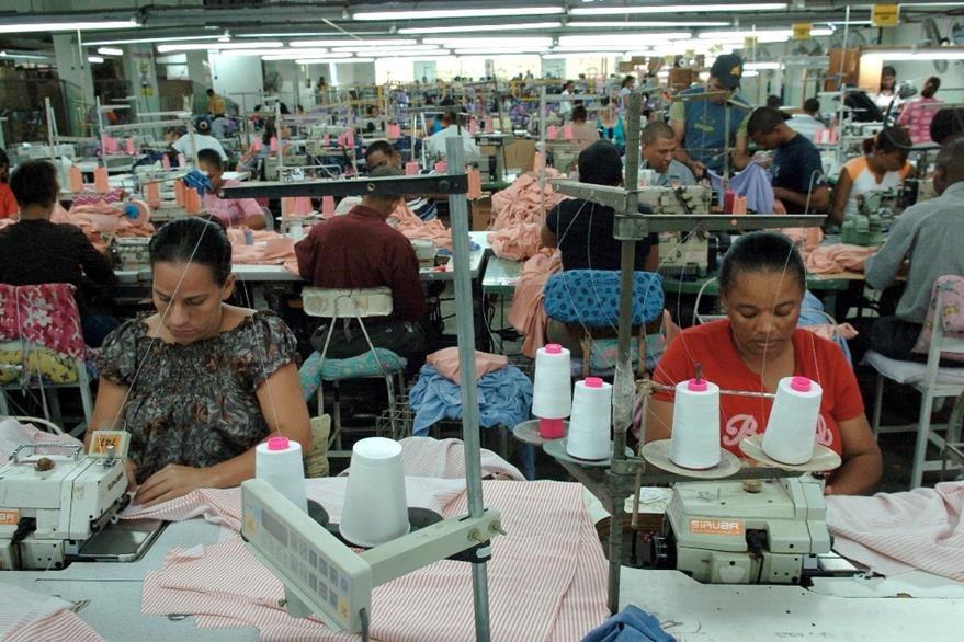 Una empresa de la industria textil en República Dominicana. (Foto Prensa Libre: Hemeroteca PL)