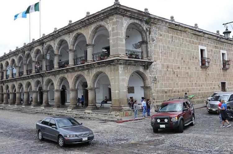 A partir de este lunes, la comuna de Antigua Guatemala, multará a quien no respete un reglamento de emisión de sonidos. (Foto Hemeroteca PL)