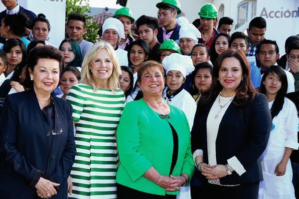 Jill Biden visitó Guatemala en marzo último junto con su esposo, el vicepresidente de EE. UU., Joe Biden, para comenzar la discusión sobre la migración infantil. (Foto Prensa Libre: Hemeroteca PL).