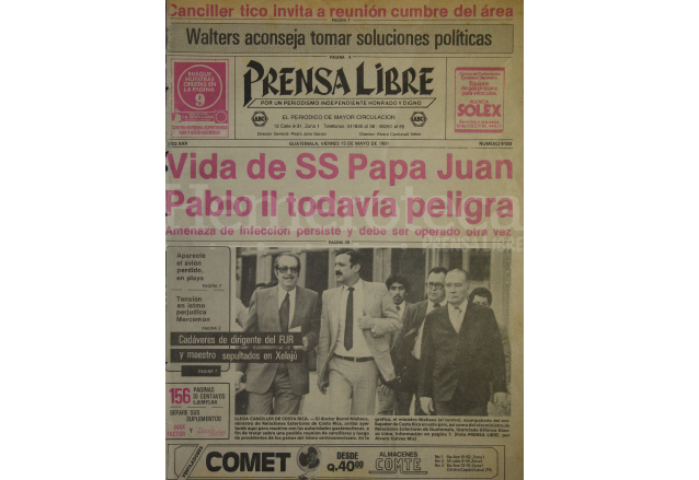 Portada de Prensa Libre del 15 de mayo de 1981, con la noticia del atentado contra el papa Juan Pablo II. (Foto: Hemeroteca PL)
