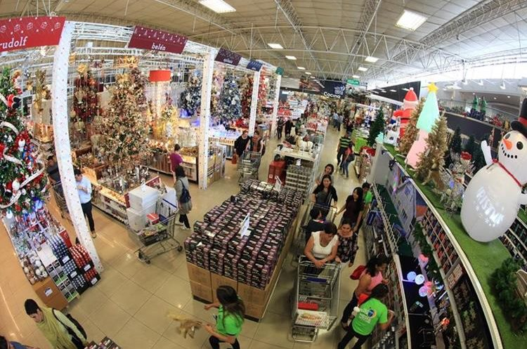 Aprveche la gran venta hasta la media noche de Cemaco. Foto: Juan Diego González