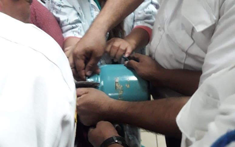 Para retirar el pichel de la cabeza del pequeño fue necesario que los socorristas trabajaran por más de dos horas. (Foto Prensa Libre: Cortesía Víctor Chamalé)