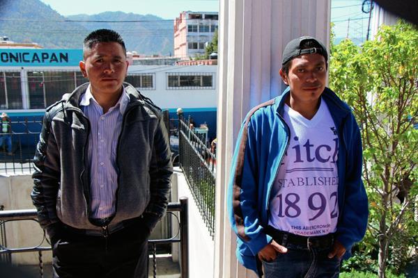 Francisco Oxlaj  y Cristóbal Winac fueron liberados hoy en San Cristóbal Totonicapán, Totonicapán (Foto Prensa Libre: Édgar Domínguez)
