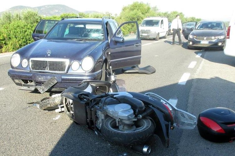 El accidente de moto de George Clooney en Italia — En fotos