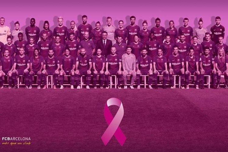 La plantilla masculina y femenina del Barcelona se unen a la lucha contra el cáncer. (Foto Prensa Libre: Twitter FC Barcelona)