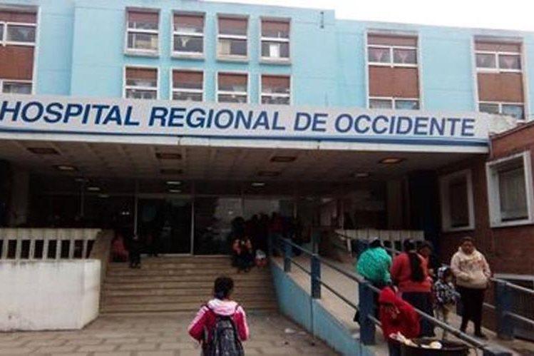 La consulta externa del Hospital Regional de Occidente se encuentra cerrada desde el 11 de enero pasado. (Foto Prensa Libre: Hemeroteca PL)