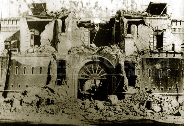 Escuela Politécnica (hoy Guardia de Honor) destruida por el Terremoto de 1917. El desastre del terremoto y la falta de acción del gobierno avivó el rechazo. (Foto: Hemeroteca PL)