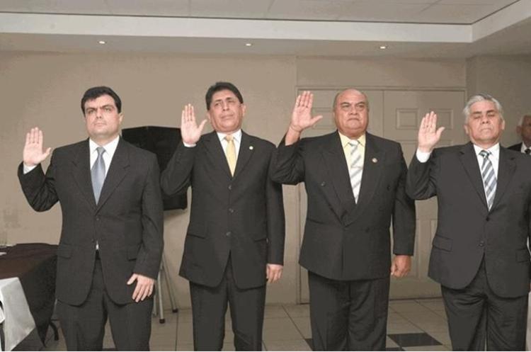 Gerardo Paiz, izquierda, formó parte del comité ejecutivo de Brayan Jiménez y Héctor Trujillo, ambos con arresto domiciliario en Estados Unidos. (Foto Prensa Libre: Hemeroteca PL)
