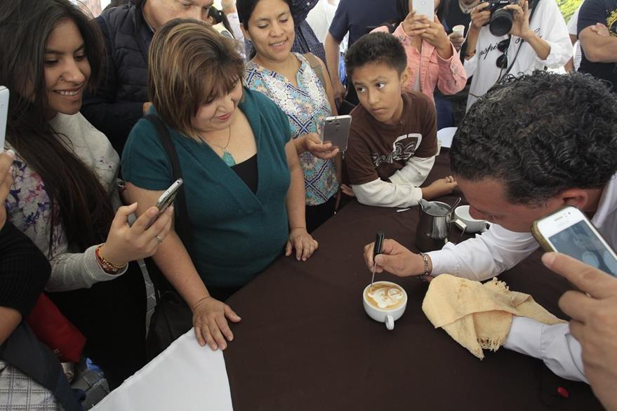 El Arte latte es una técnica se ha popularizado. (Foto Prensa Libre: Carlos Hernández)