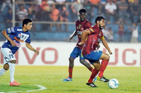 EL 14 de febrero último los rojos cayeron 2-0 frente a Suchi, en el encuentro que se disputó en el estadio Carlos Salazar. (Foto Prensa Libre: Hemeroteca PL)