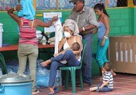 Enfermedades y escasez sufren víctimas de la erupción.