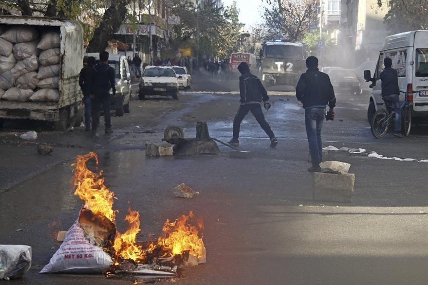 Turquía es escenario de protestas por parte de grupos que señalan al Gobierno de bombardear regiones kurdas. (EFE)