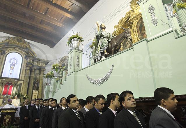 El Domingo de Ramos el templo se reviste de colorido y fervor por la salida de la tradicional procesión de la Burriquita. (Foto: Hemeroteca PL)