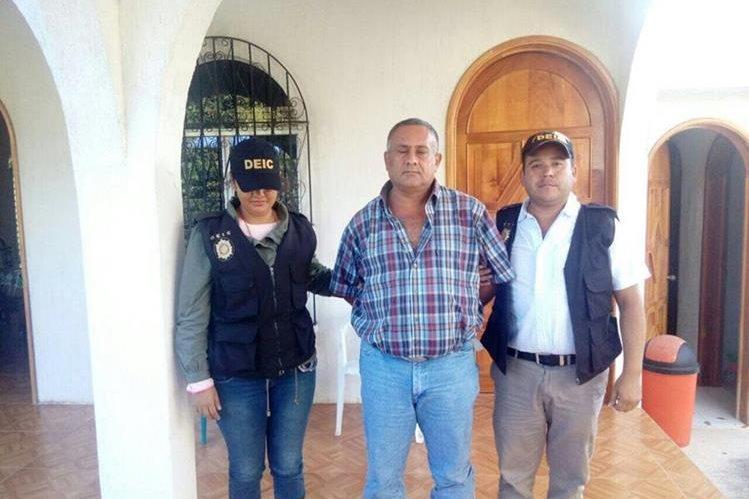 Carlos Enrique Muñoz Alvarado, exalcalde de Granados, Baja Verapaz, es señalado de delitos de corrupción. (Foto Prensa Libre: PNC)