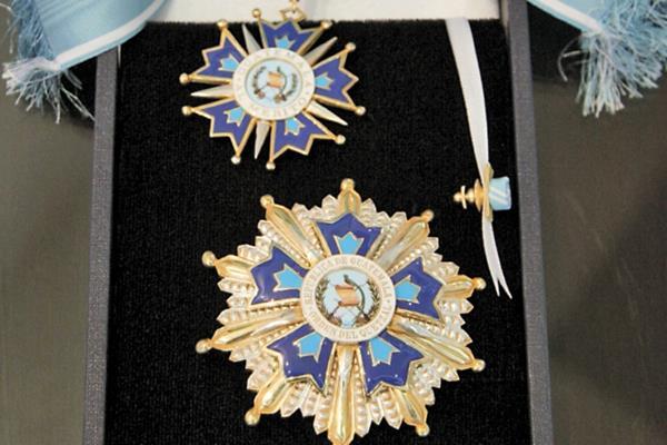 Orden del Quetzal en el grado de Gran Cruz.