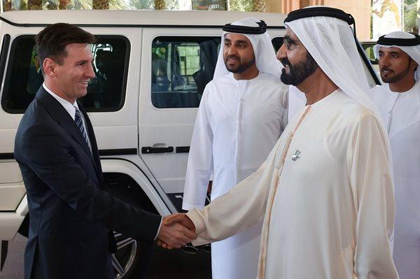 Messi no estuvo presente en la práctica del Barcelona, por encontrarse en Dubai, donde fue galardonado como el mejor futbolista del año en los Globe Soccer.