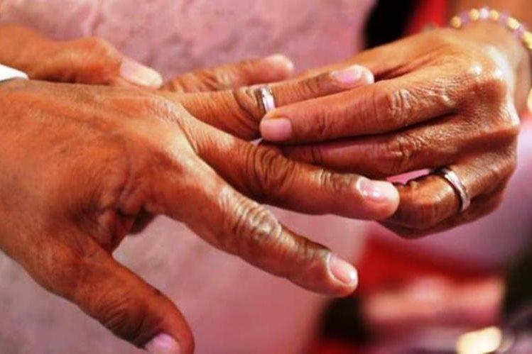 La despechada mujer arrancó con los dientes un dedo a la amante del mismo durante una discusión en la calle. (Foto Prensa Libre: Hemeroteca PL)