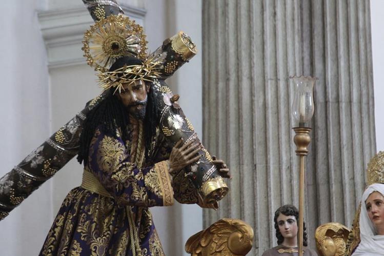 La imagen de Jesús Nazareno de la Merced será reparada. (Foto Prensa Libre: Estuardo Paredes)