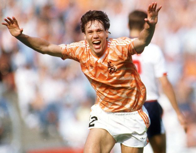 Van Basten fue uno de los más destacados goleadores a finales de los años 80 y principios de los 90. (Getty Images)