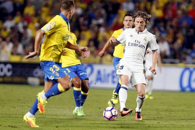 El Real Madrid volvió a dejar puntos en el torneo español. (Foto Prensa Libre: EFE)