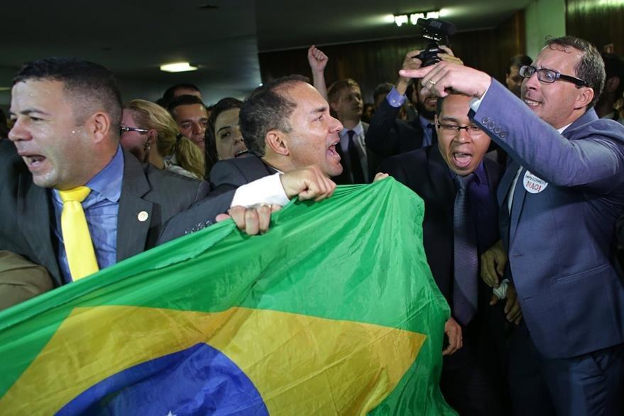 Múltiples manifestaciones en Brasil han exigido la salida de Rousseff del poder. (Foto Prensa Libre: AP).