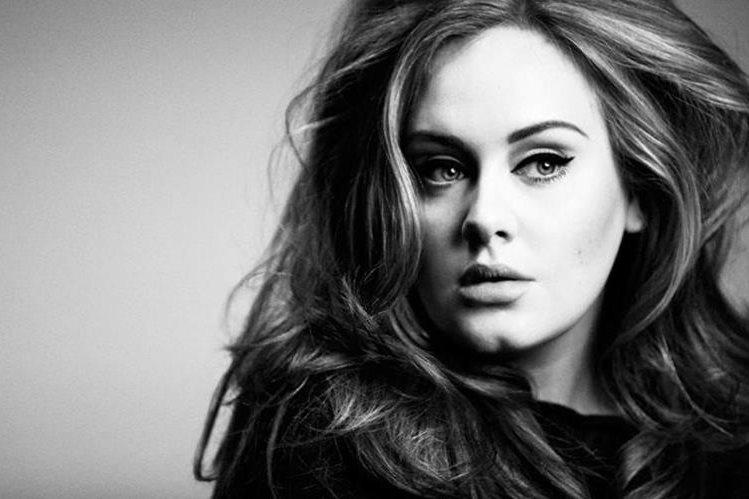 El álbum 25 es la tercera producción de Adele, y por segundo año consecutivo es uno de los más vendidos. (Foto Prensa Libre: m2woman.co.nz)