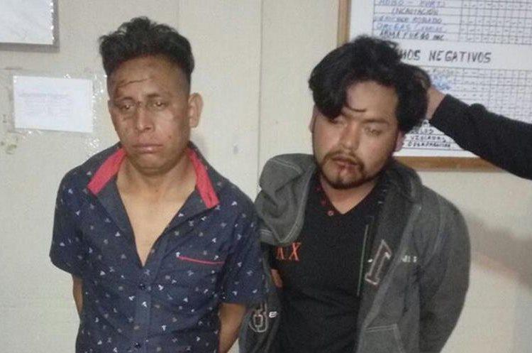 Autoridades capturaron a los dos presuntos responsables de haber causado la tragedia. (Foto Prensa Libre: Héctor Cordero).