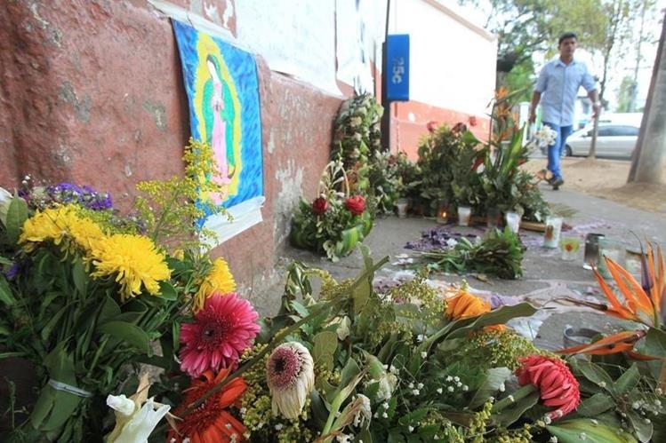 La sociedad ha rendido tributo a las víctimas del Hogar Seguro con altares y manifestaciones. (Foto: Hemeroteca PL)