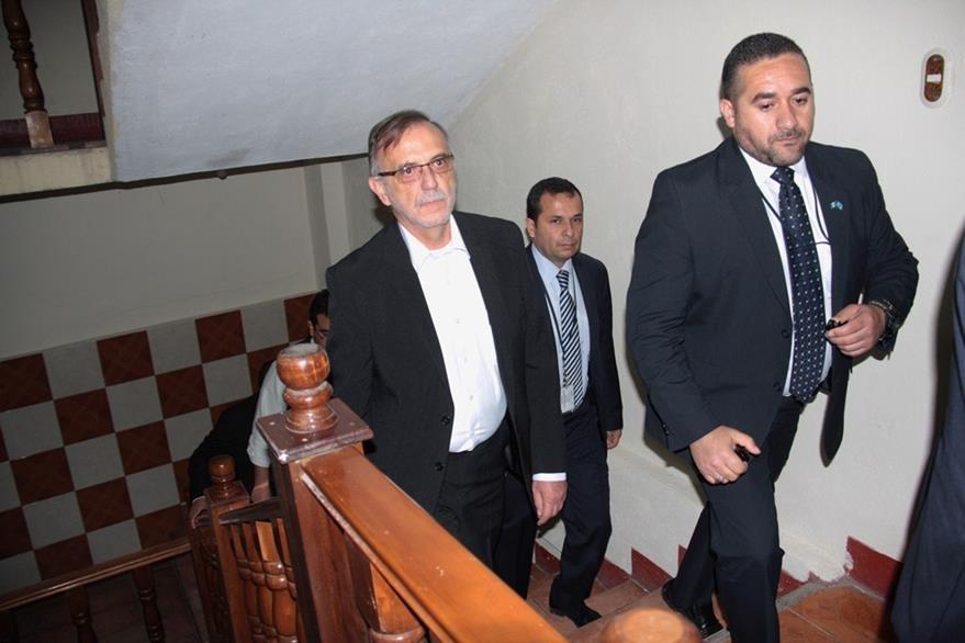 Iván Velásquez, comisionado de la Cicig, supervisa instalaciones donde funcionará sede de esa institución en Quetzaltenango. (Foto Prensa Libre: Carlos Ventura).