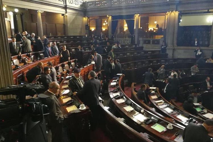 Sesión plenaria de este martes en el Congreso de la República. (Foto Prensa Libre: Esbin García).
