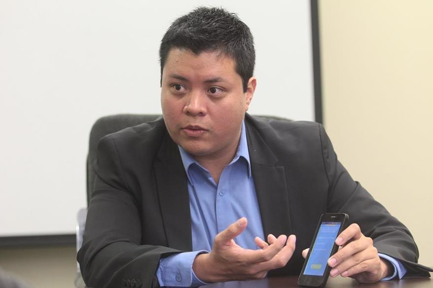 El guatemalteco Jorge Ávila creó la APP ImeiDB con la cual logró entrar como uno de los 12 semifinalistas por el campeonato mundial Imagine Cup. (Foto, Prensa Libre: Álvaro Interiano)