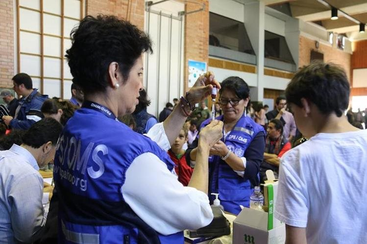 Es necesario continuar acciones para evitar que se propague el brote de sarampión detectado en el país, recomendó el representante de la OMS y OPS. (Foto Prensa Libre: Hemeroteca)