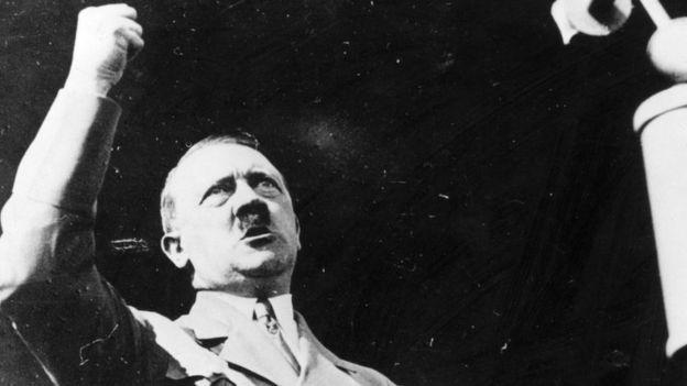 Dentro de la cápsula del tiempo se encontraron varios retratos de Adolf Hitler (imagen de archivo). GETTY IMAGES