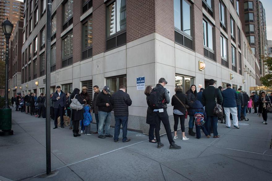 Los estadounidenses acudieron en masa a votar. (Foto Prensa Libre: AFP).