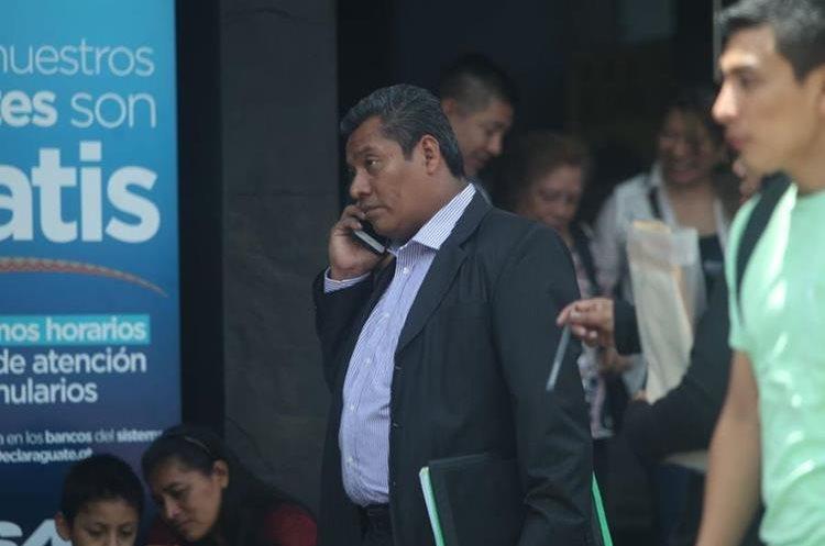 Hablar por celular en las calles también es un riesgo.
