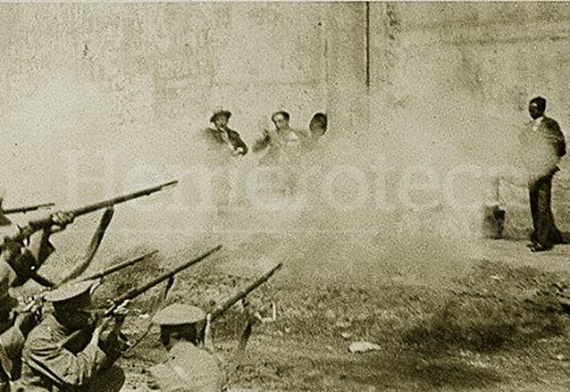 El 2 de mayo de 1931 fueron fusilados Eduardo Felice Luna, Juan Emilio Blanco y Cayetano Asturias, acusados del asesinato de una anciana. La ejecución fue pública y tuvo lugar en el paredón del Cementerio General.(Foto: Hemeroteca PL)
