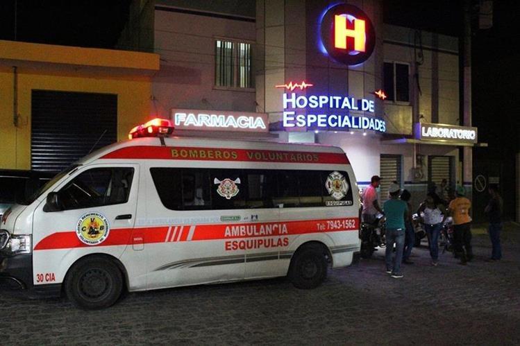 Cristian David Méndez López fue trasladado aún con vida a un sanatorio privado de Esquipulas, donde murió. (Foto Prensa Libre: Mario Morales).
