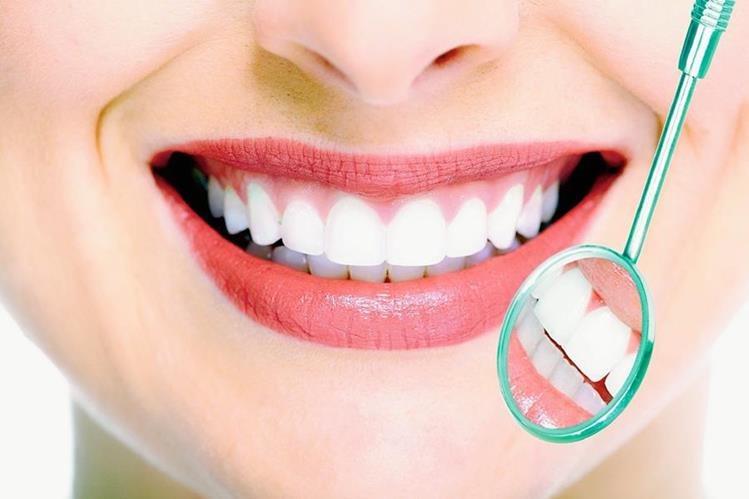 ES importante acudir a chequeos con el odontólogo al menos una vez al año. (Foto Prensa Libre: Hemeroteca PL)
