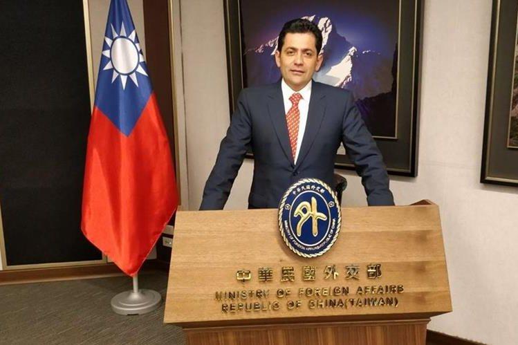 El expresidente del Congreso, Óscar Chinchilla, es uno de los diputados que vivió el terremoto en Taiwán. (Foto Prensa Libre: Cortesía)